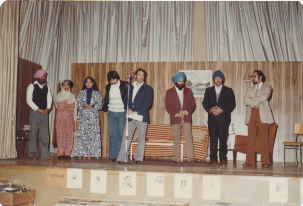Cast of Dooja Passa: (from left) Darshan Bains, Surjeet Kalsey, Paul Binning, Indresh, Karamjit Ghuman, Raghbir Mand (Bhavkhandan not seen)